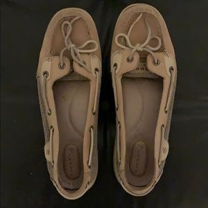 Sperry boat shoes - size 9
